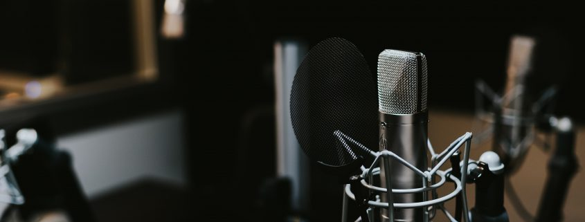 The first episode of our GEHIRNfutter Podcast: The beginning of a journey of knowledge for the topics: Consciousness, Perception & Brain Research.